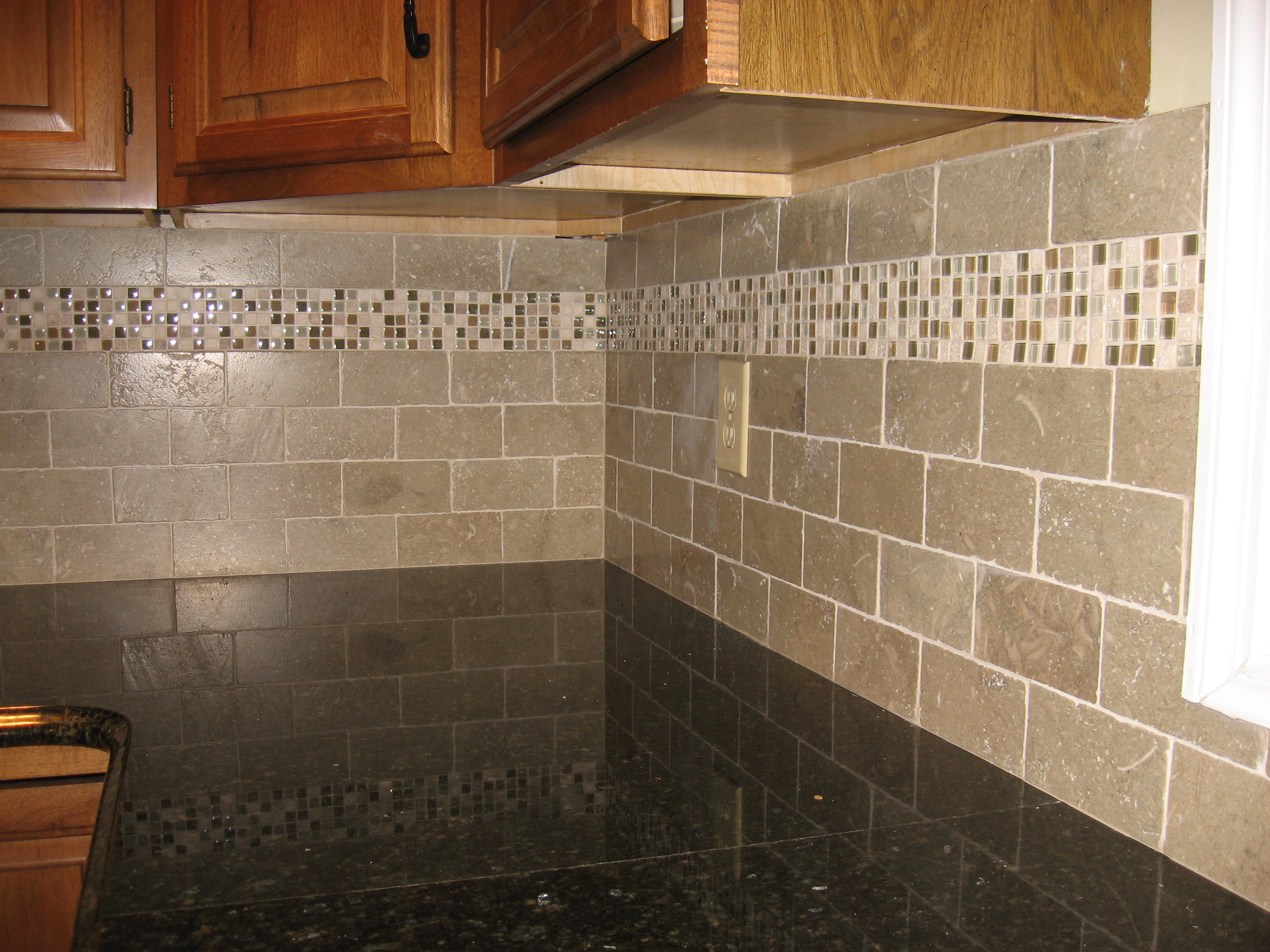 Kitchen Backsplash Ideas Pictures Olive Garden Accent Tiles Backsplash